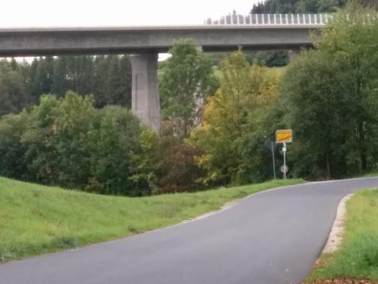 Start des 2. Teil der Anstiegs bei der Autobahnbrücke Trockau