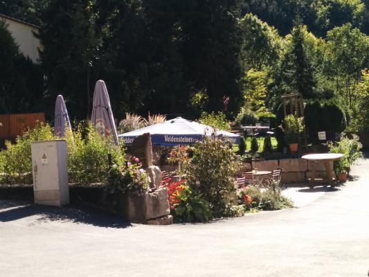 Schöner Biergarten im Gasthof Schlehenmühle !