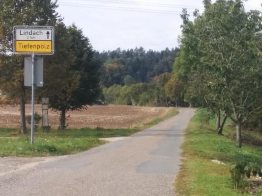 Wir verlassen Hohenpölz in Richtung Lindach !